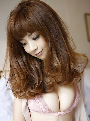 Aki Hoshino strips down to her bra and panties