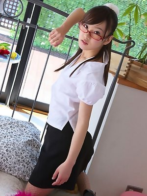 Kana Yuuki Asian shows cunt in panty under skirt at the office