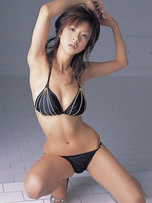 Aki Hoshino sweet Japanese babe in her bikini and high heels